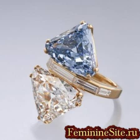 кольцо на два брилианта