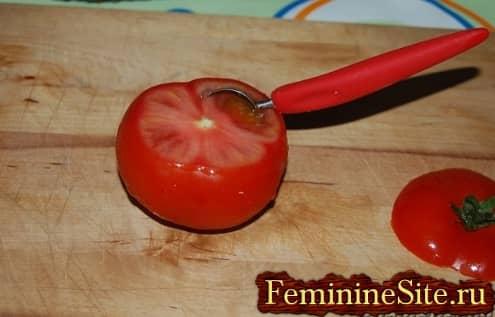 Рецепт фаршированных помидоров рисом с фото - удалить мякоть