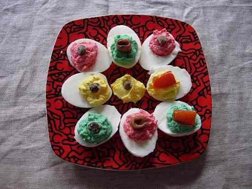 Цветные яйца - закуска на пасху